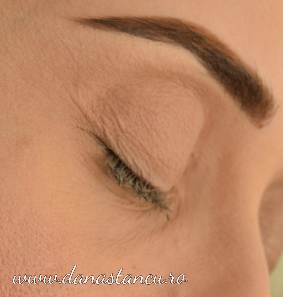 Shape Brow medium Ash